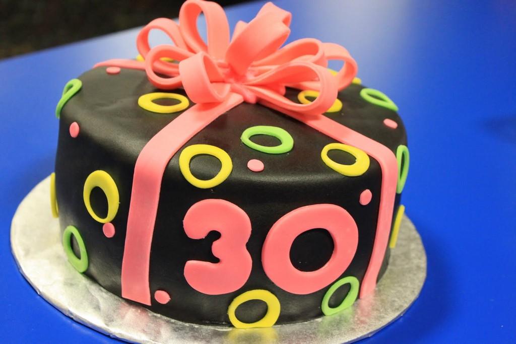torte zum 30 geburtstag rezept hausrezepte von beliebten kuchen. Black Bedroom Furniture Sets. Home Design Ideas