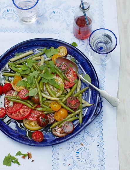 tomaten bohnen salat bilder tomaten bohnen salat foto. Black Bedroom Furniture Sets. Home Design Ideas
