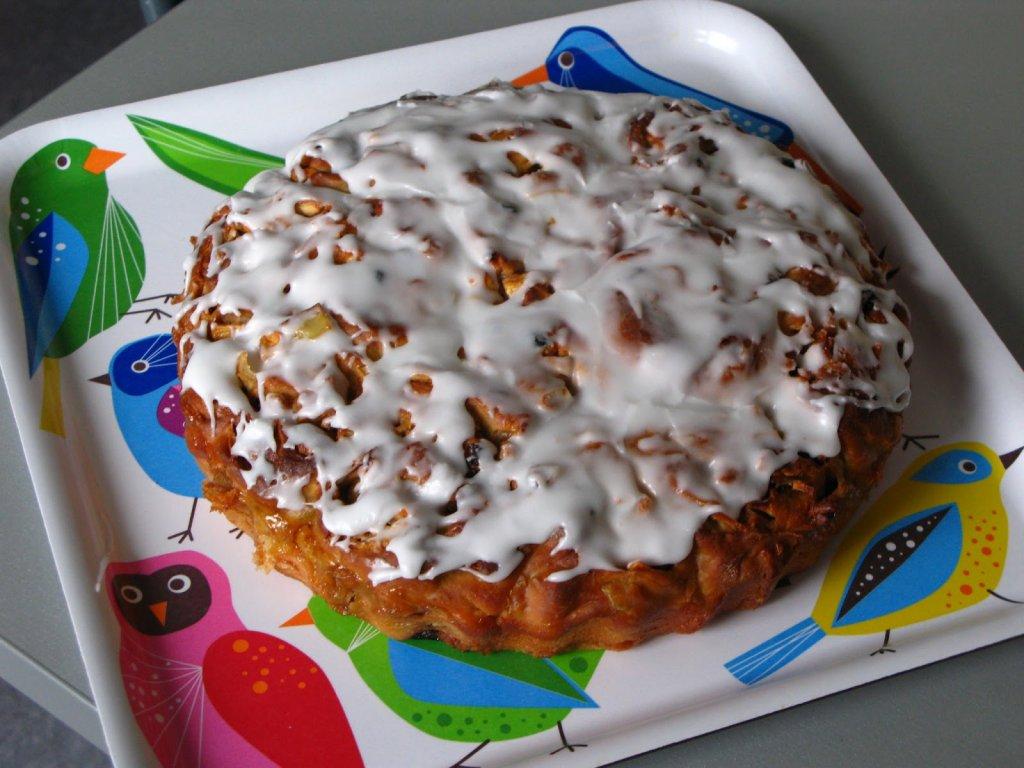 Kuchen Mit Foto apfel zimtschnecken kuchen mit walnüssen bilder apfel zimtschnecken kuchen mit walnüssen foto