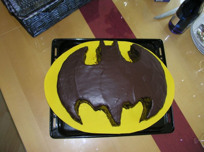 batman torte kindergeburtstag kuchen schokoladen kuchen bilder batman torte kindergeburtstag. Black Bedroom Furniture Sets. Home Design Ideas