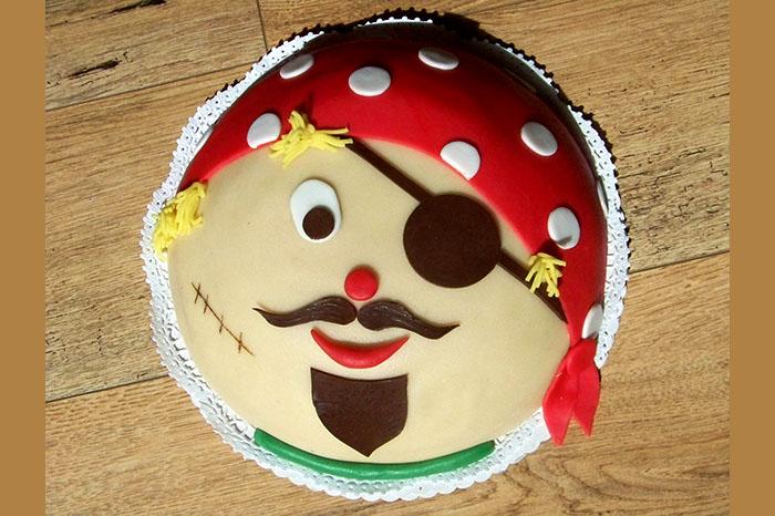 torte kindergeburtstag pirat torte zuckerpaste bilder torte kindergeburtstag pirat torte. Black Bedroom Furniture Sets. Home Design Ideas