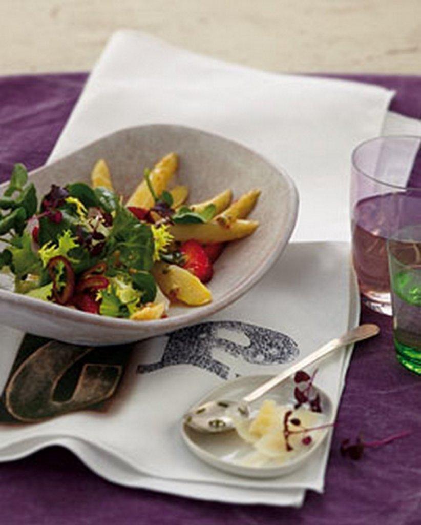 lauwarmer spargel brunnenkresse salat mit erdbeeren bilder lauwarmer spargel brunnenkresse salat. Black Bedroom Furniture Sets. Home Design Ideas